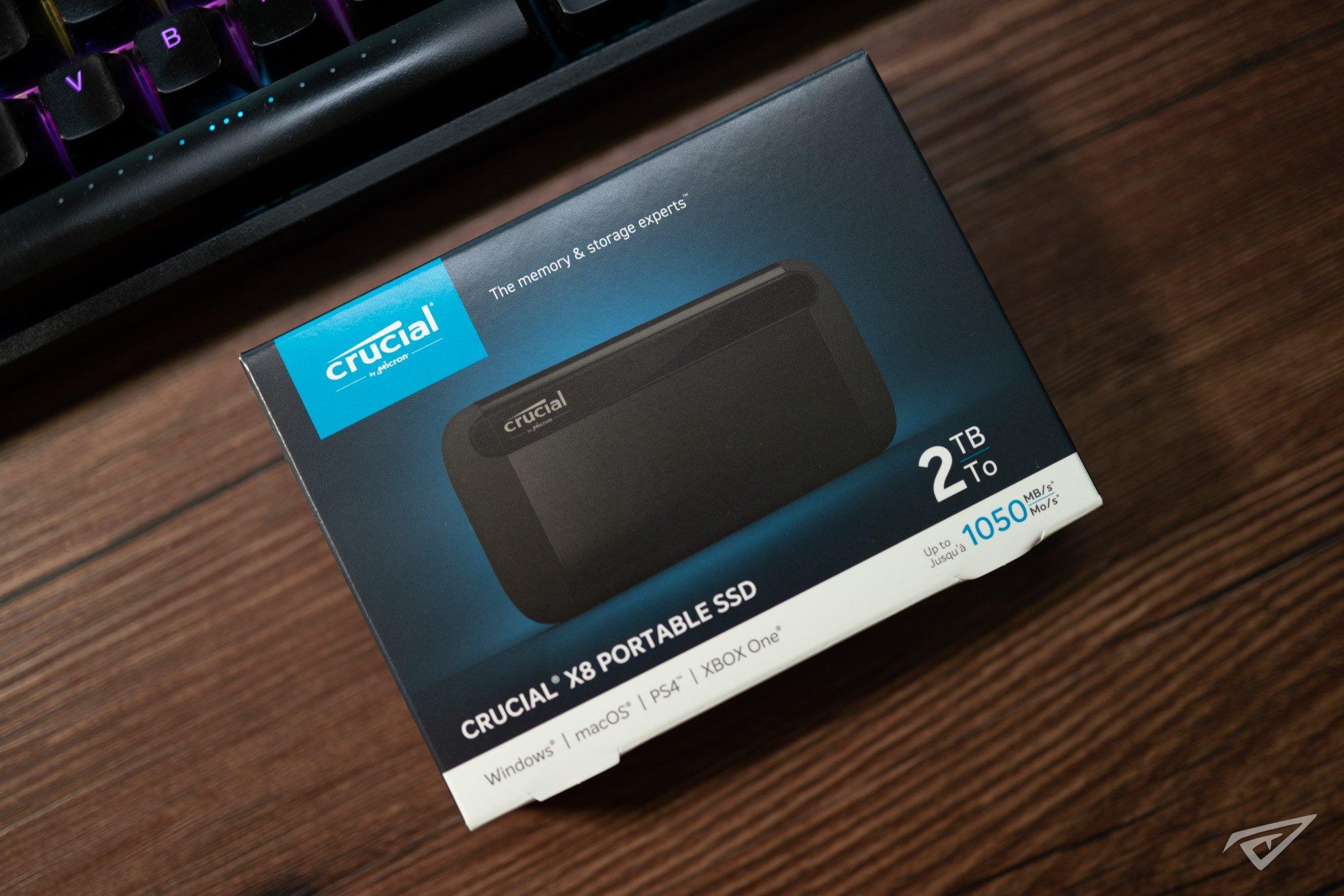 英睿达 Crucial X8 2TB 便携式 SSD 高清图赏