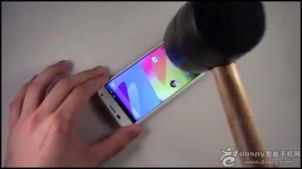 Moto X坚固性真机实测视频出炉,完胜iPhone 5s/5c、Galaxy S4