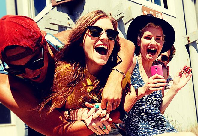 MOTO X美国夏日48小时促销活动:减免100美金
